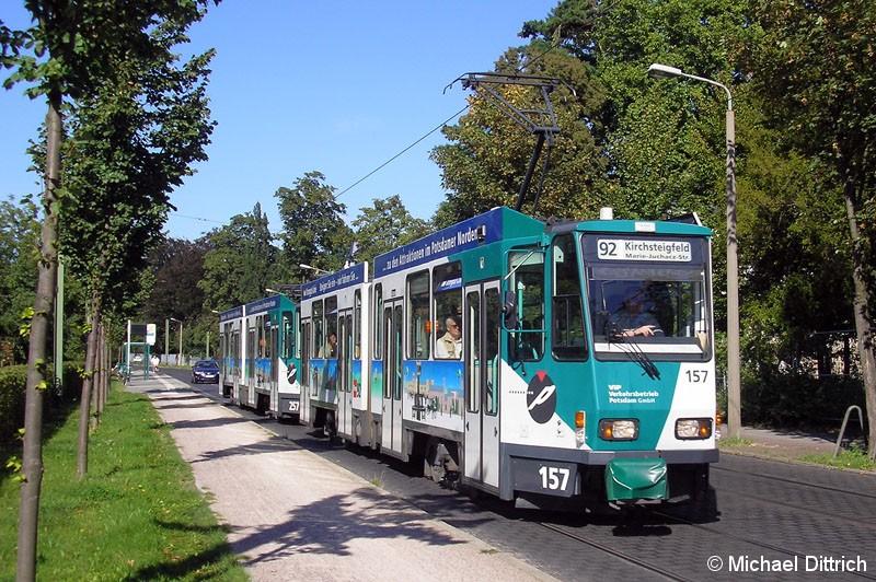 Bild: 157 und 257 als Linie 92 in der Puschkinallee.