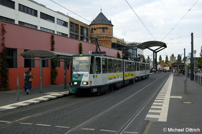 Bild: 124 und 224 als Linie 91 an der Haltestelle Hauptbahnhof.