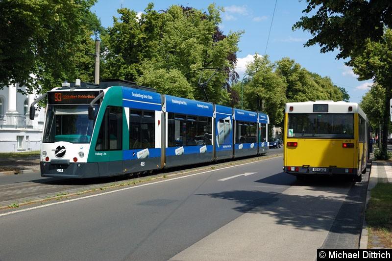 Bild: 403 als Linie 93 in der Berliner Straße/Menzelstraße.