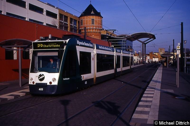 405 als Linie 96 an der Haltestelle Hauptbahnhof.