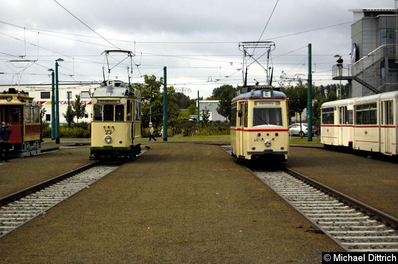 Bild: Wagen 23 aus Magdeburg und Wagen 46 aus Rostock.