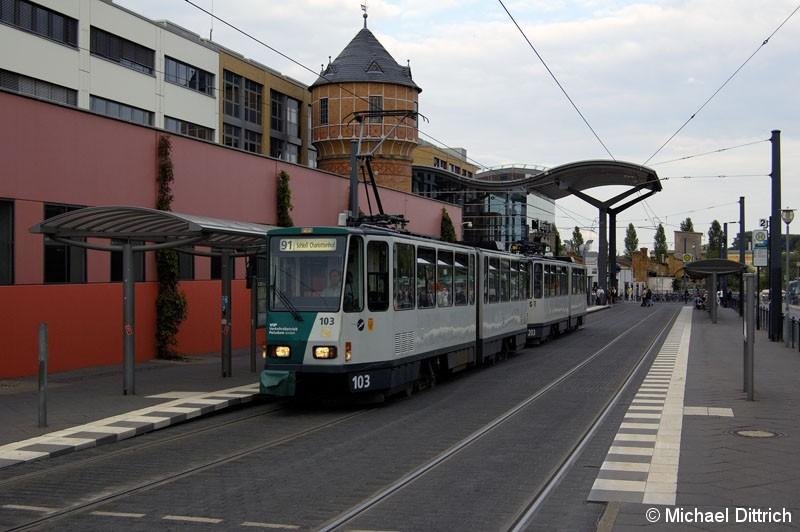 Bild: 103 und 203 als Linie 91 an der Haltestelle
