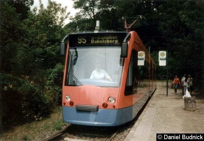 Bild: Als Linie 95 am Kapellenberg.