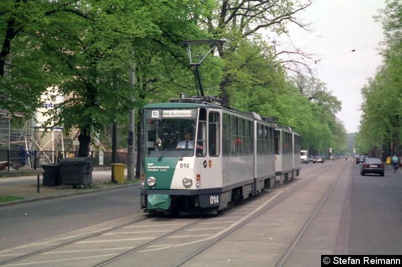 Bild: 014 + 016 als Linie 93 in der Berliner Straße.