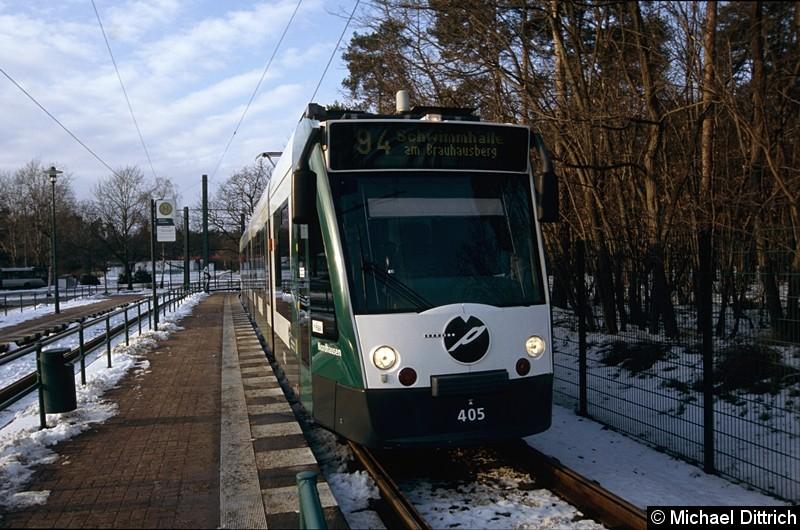 405 als Linie 94 in der Ankunftshaltestelle Pirschheide.