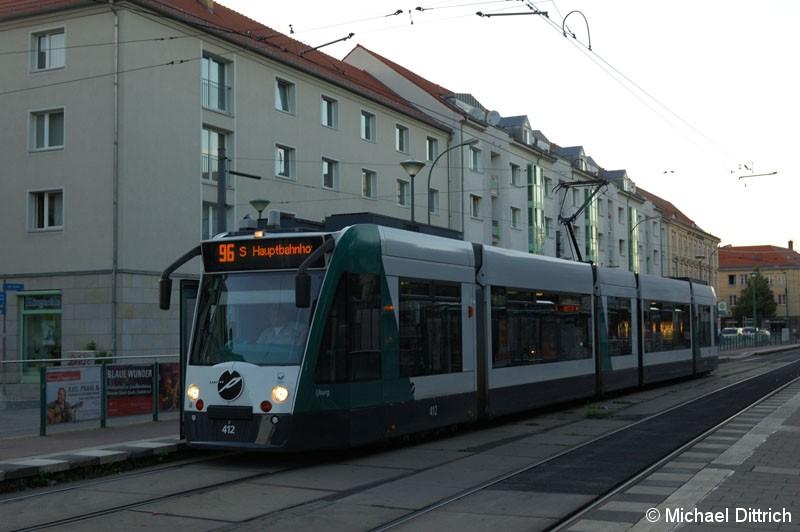 Bild: 412 als Linie 96 am Platz der Einheit nach S Hauptbahnhof.