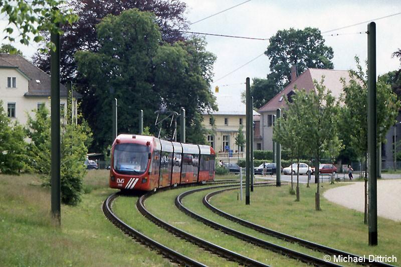 Bild: Der Wagen 2000 ist ein Gastfahrzeug, welches zur Erprobung in Potsdam vertweilte. Er war der letzte Wagen in dem Korso.
