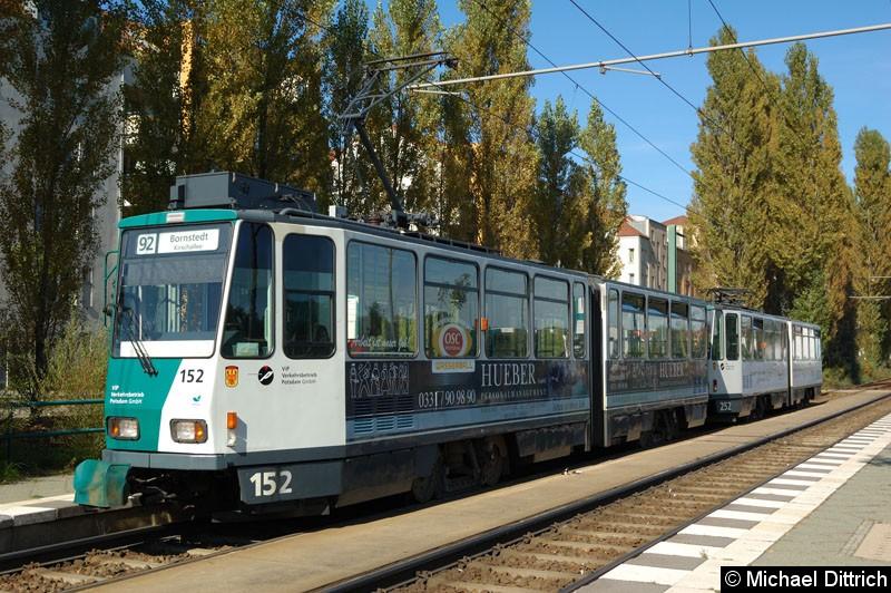 Bild: 152 und 252 als Linie 92 an der Haltestelle Marie-Juchacz-Str.