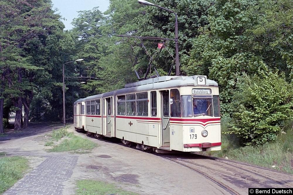 Noch einmal der gleiche Zug wie auf dem Bild zuvor im Gleisdreieck Kapellenberg.