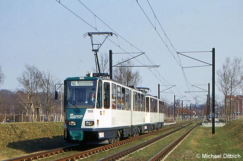 Bild: 108 und 208 als Linie 92 in der Kiepenheuer Allee.