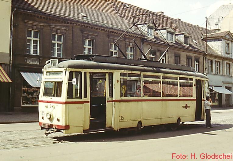 weiter in Ri Kapellenberg ging es mit Tw 131 im Pendelverkehr