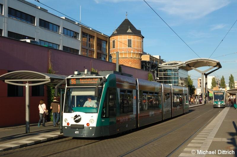 Bild: 411 als Linie 96 am Hauptbahnhof.