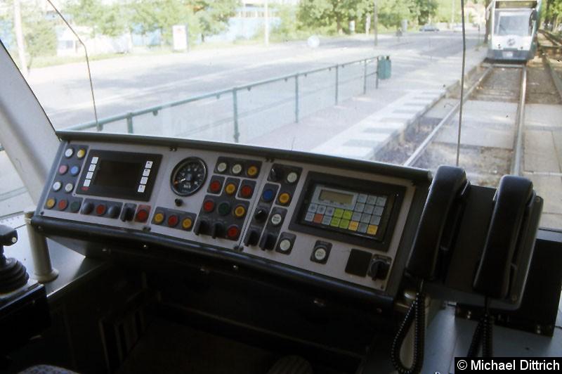 Bild: Blick auf das Fahrerpult.