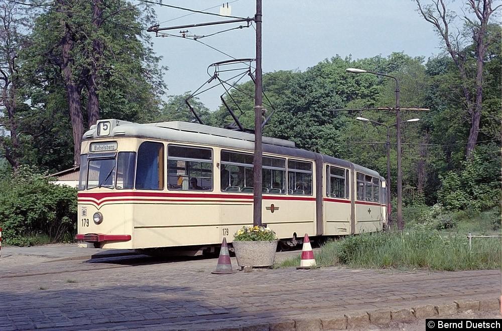 Tw 179 mit seinem Beiwagen an der Endstation