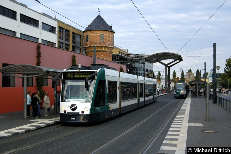Bild: 404 als Linie 92 am Hauptbahnhof.