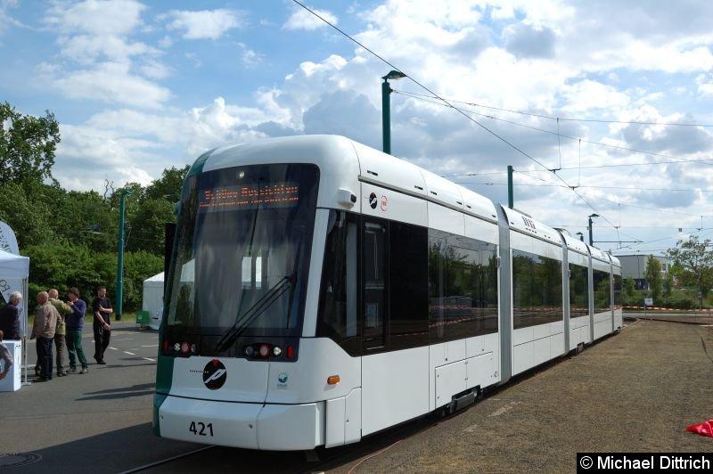 Schöne Aussichten, Potsdams neue Straßenbahn auf dem Betriebshof der ViP