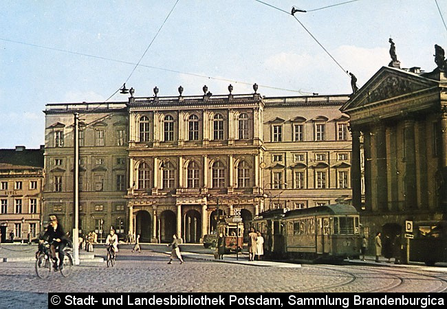 Bild: Ein Blick auf den Alten Markt in den 1940er Jahren.